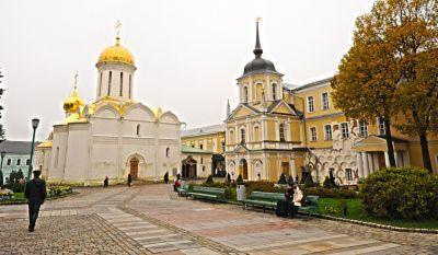 圣三一修道院