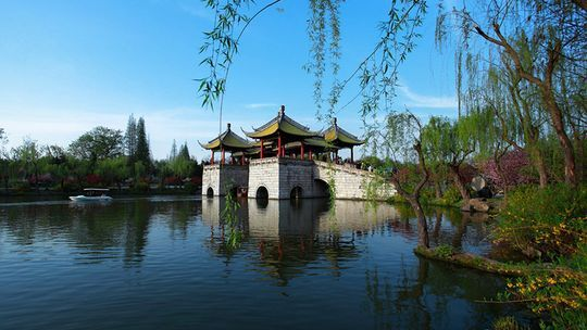 西塘水乡、杭州G20主会场钱江新城夜景灯光秀、 西湖、花港观鱼、宋城千古情2日游